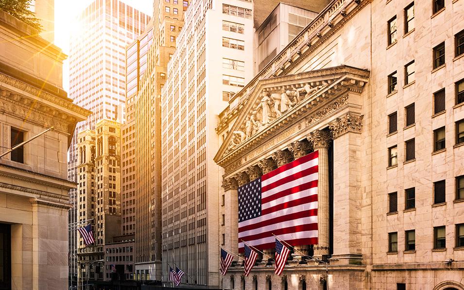 Los rebrotes en EE.UU. no frenan los buenos resultados en Wall Street